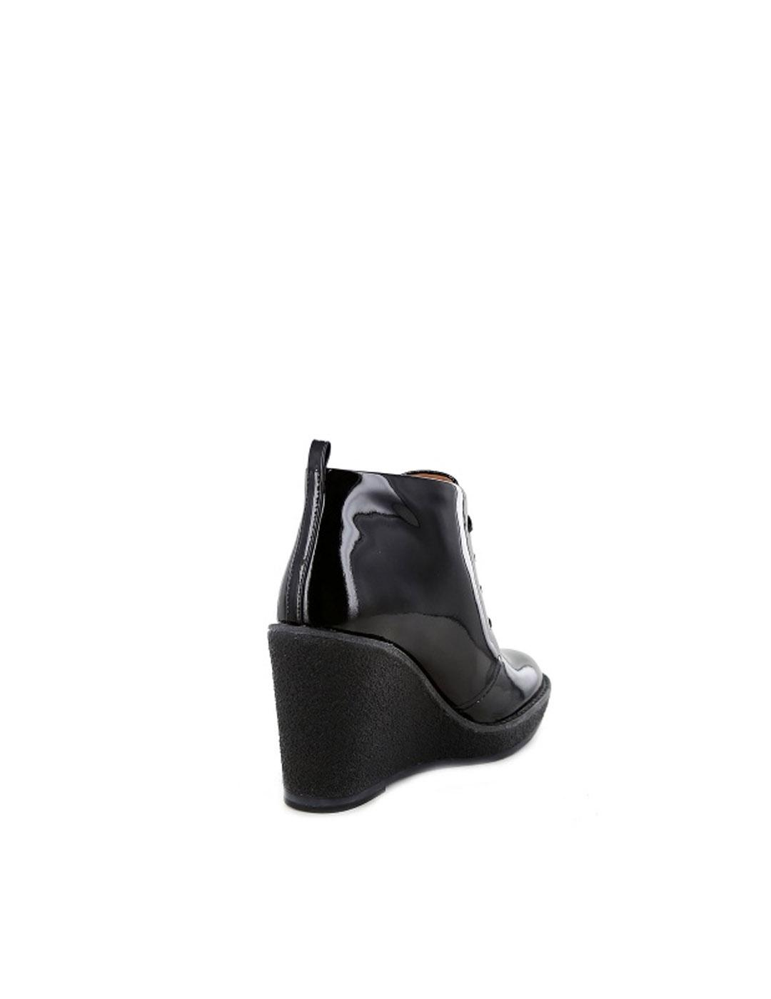 Botines Marc by Marc Jacobs negros de charol